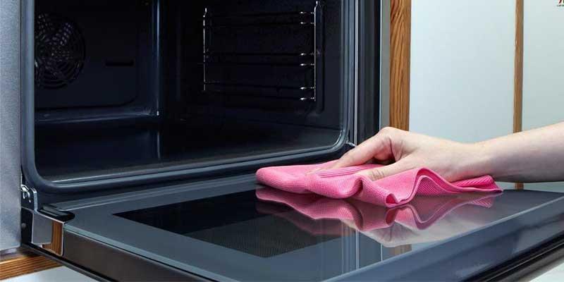 تمیز کردن فر آشپزخانه